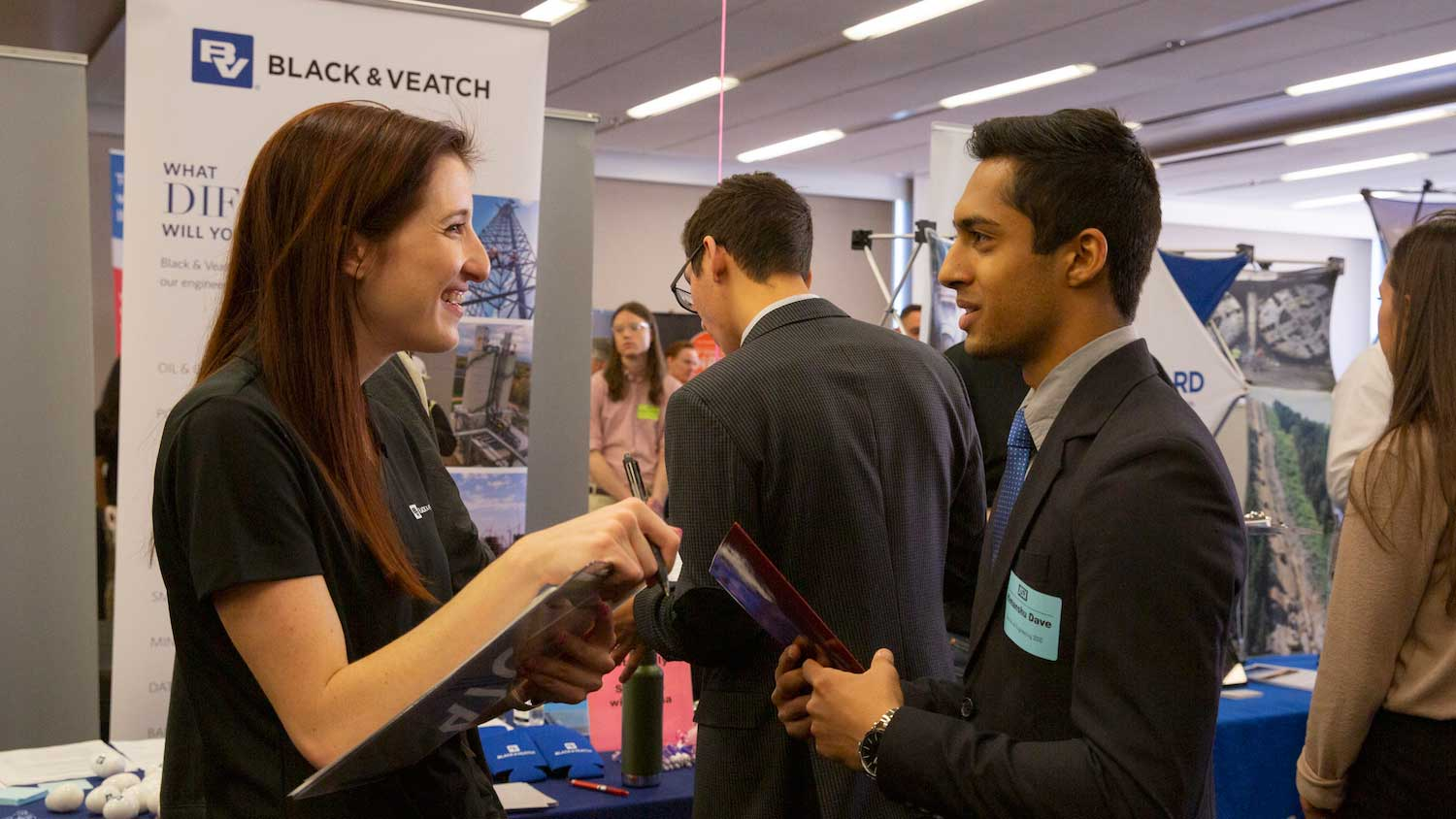 Alumna Olivia Brancati conducts an interview with Himanshu Dave at the Spring 2019 Fulton Schools Career Fair