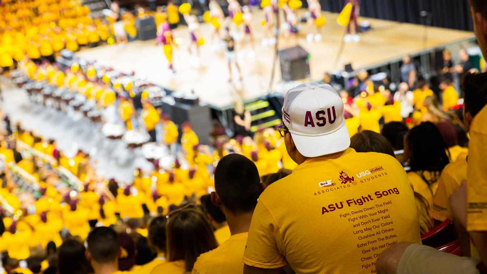 Students inside Desert Financial Arena for Fall Welcome event